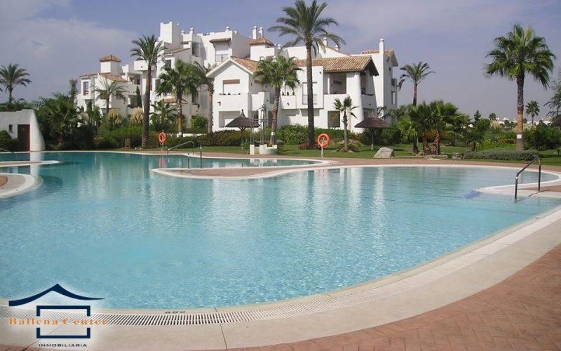 Ballena Center. Inmobiliaria para compra, venta, alquiler de viviendas en Costa Ballena, Rota